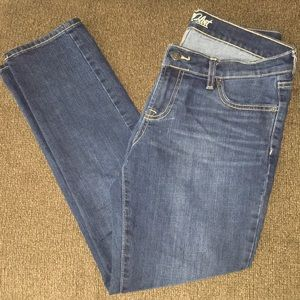 Women's Old Navy Jeans - Size 6 Short